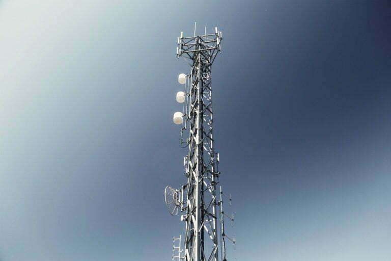 DoT Pushes for More 5G Spectrum
